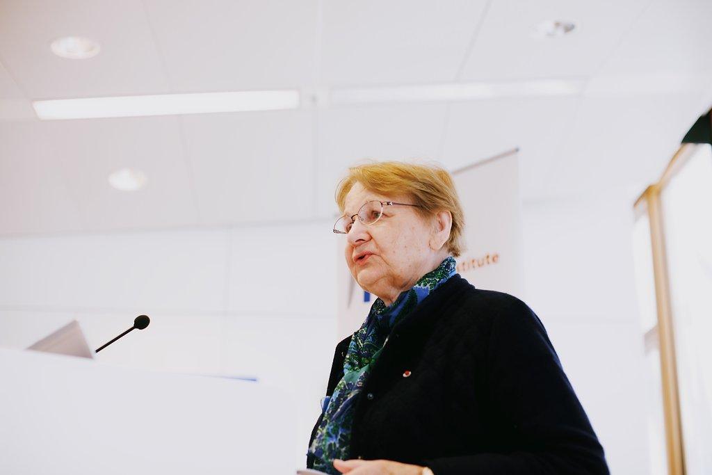 Maria Nowak, ADIE